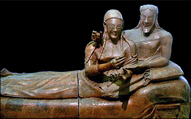 etruscan-couple